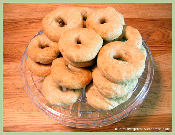 Homemade Bagels - From Vegetate, Vegan Cooking & Food Blog