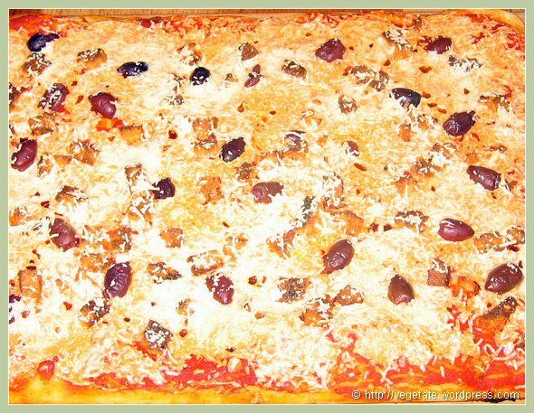 Kalamata Olive, Tofu Feta, Garlic & Daiya Cheese Pizza - From Vegetate, Vegan Cooking & Food Blog
