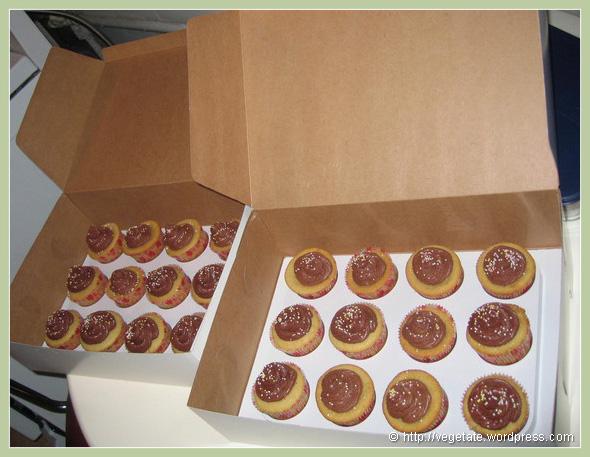 2 Dozen Birthday Cupcakes - From Vegetate, Vegan Cooking & Food Blog