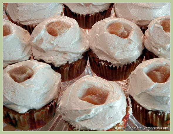 Ginger-Spice Cupcakes - From Vegetate, Vegan Cooking & Food Blog