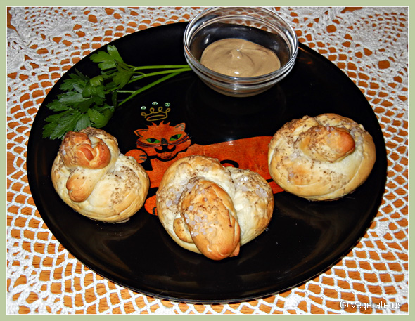 Spelt Soft Pretzels ~ From Vegetate, Vegan Cooking & Food Blog